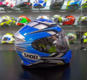 1f9c2b7ee9414 El NXR de Shoei es uno de los cascos deportivos más seguros y mejor  fabricados del mercado.