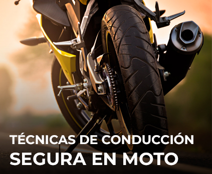 5 técnicas de conducción segura en moto